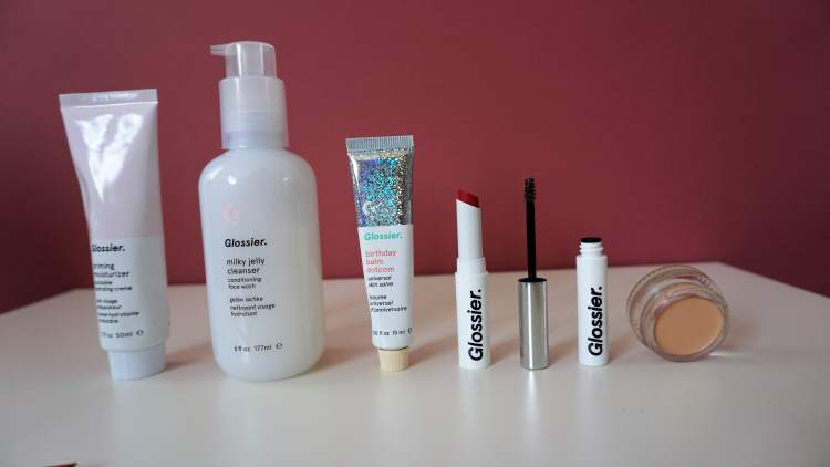 GLOSSIER HAUL UK SHIPPING PRODUCT HAUL PRODUCT REVIEW MILKY JELLY CLEANSER BALMDOTCOM BOY BROW GENERATION G LIPSTICK 1-min