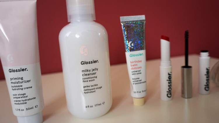 GLOSSIER HAUL UK SHIPPING PRODUCT HAUL PRODUCT REVIEW MILKY JELLY CLEANSER BALMDOTCOM BOY BROW GENERATION G LIPSTICK 3-min