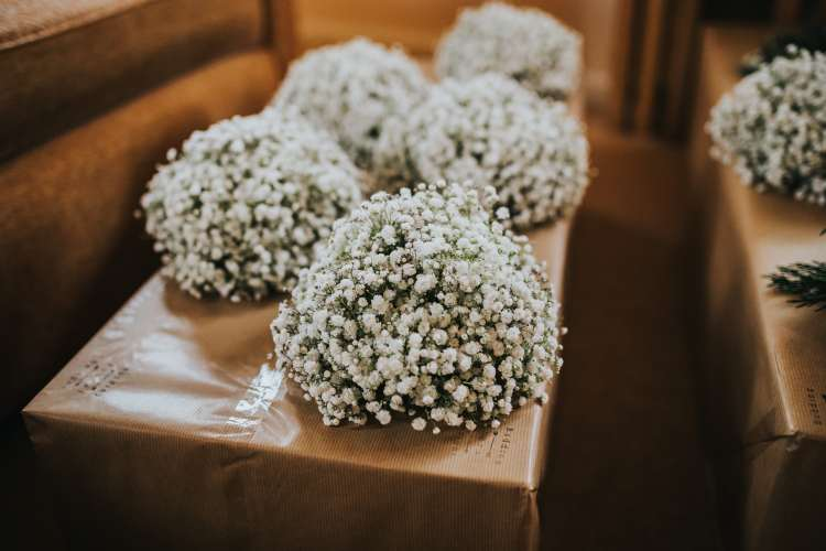 LORA CHRIS WEDDING BUDDING FLORAL DESIGNS FLOWERS RUSTIC WEDDING COUNTRY VINTAGE FLOWERS PETE HUGO PHOTOGRAPHY WEDDING FLOWERS 3-min