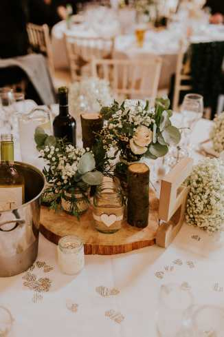 LORA CHRIS WEDDING BUDDING FLORAL DESIGNS FLOWERS RUSTIC WEDDING COUNTRY VINTAGE FLOWERS PETE HUGO PHOTOGRAPHY WEDDING FLOWERS 9-min