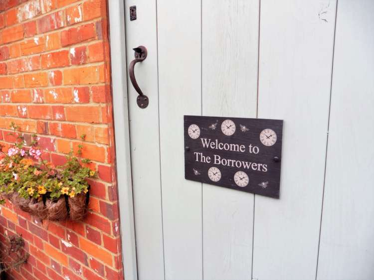 THE BORROWERS BANHAM STAYCATION OLDE FARM COTTAGES REVIEW 1-min