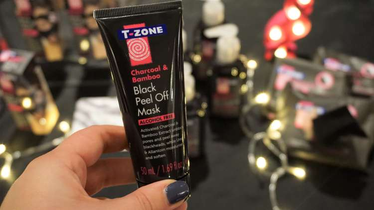 TZONE PEEL OFF MASK BLOGGERS FESTIVAL SCARLETT LONDON BLOGGER EVENT LONDON CONRAD HOTEL -min