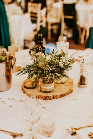 LORA CHRIS WEDDING THE OLD STABLES ADVICE FOR FINDING A WEDDING VENUE RUSTIC LEICESTERSHIRE WEDDING SHABBY CHIC WEDDING VENUE CONVERTED BARN 3 WEDDING DECOR 20