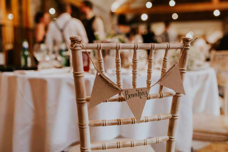 LORA CHRIS WEDDING THE OLD STABLES ADVICE FOR FINDING A WEDDING VENUE RUSTIC LEICESTERSHIRE WEDDING SHABBY CHIC WEDDING VENUE CONVERTED BARN 3 WEDDING DECOR 4