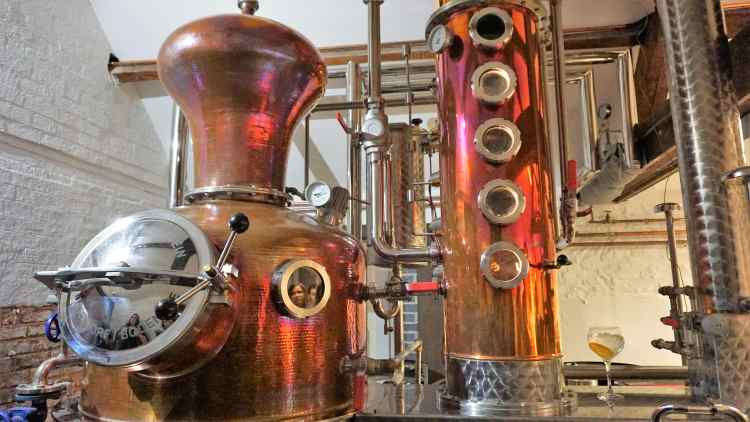 BURLEIGH GIN TOUR BURLEIGH GIN ARTISAN GIN GIN TOUR REVIEW LOUGHBOROUGH LOCAL GIN MESSY BESSY-min