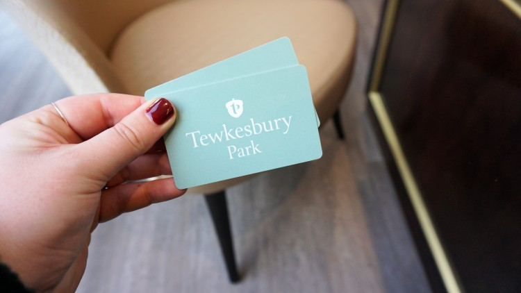 TEWKESBURY PARK HOTEL DOG FRIENDLY HOLIDAY STAYCATION HOLIDAY IN ENGLAND WEEKEND AWAY REVIEW DOG HOTEL 11