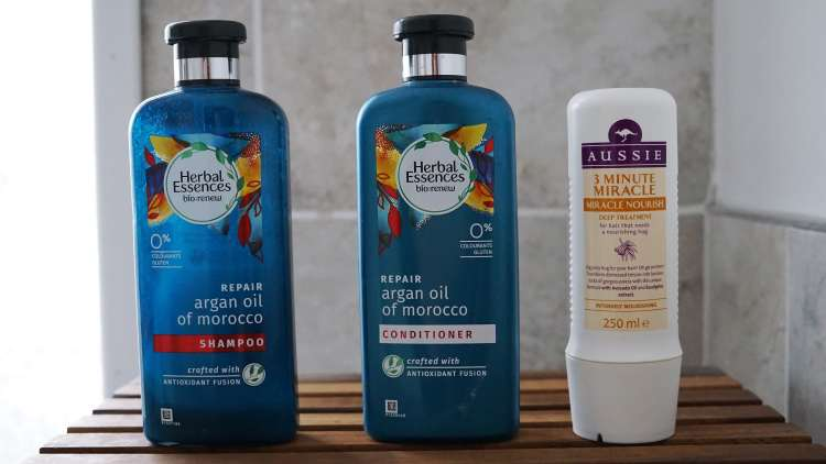 2018 EMPTIES HAIRCARE AUSSIE THREE MINUTE MIRACLE HERBAL ESSENCES BIO RENEW -min